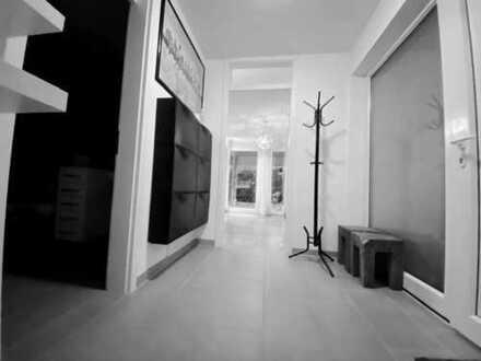 Stilvolle 2-Zimmer-EG-Wohnung mit Terrasse, EBK und teilmöbliert in Ingolstadt