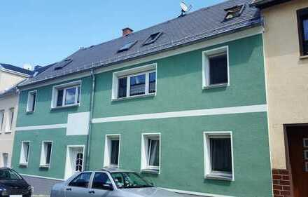 Liebevoll renoviertes Stadthaus mit 4 Wohnungen im Zentrum mit Wintergarten, Garten und Doppelgarage