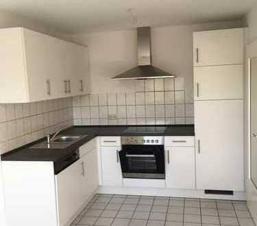 Helle 3-Zimmer-Wohnung mit Balkon und Einbauküche in Engstingen