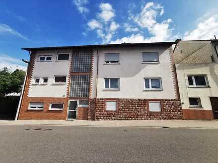 Kapitalanlage und/oder Eigenbedarf? Drei Wohnungen in grundsolidem Wohnhaus!