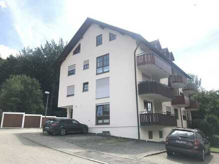 Apartment mit Balkon, Stellplatz in ruhiger Waldanlage mit schöner Aussicht..