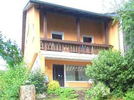 BAD GRIESBACH: Tolle Doppelhaushälfte, 2 Wohnungen à 125 m²