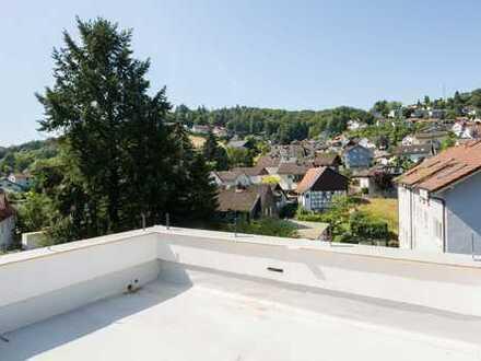 Odenwaldflair am Bachlauf Nähe Weinheim - Neubau-DG-Maisonette mit großer Dachterrasse!