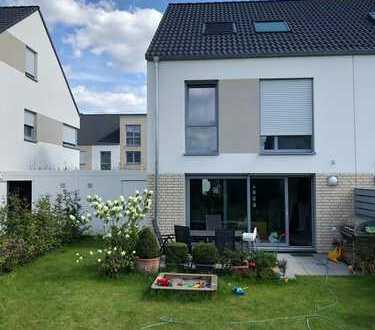 Helles, geräumiges KfW55-Haus mit Garten und fünf Zimmern in Wesseling