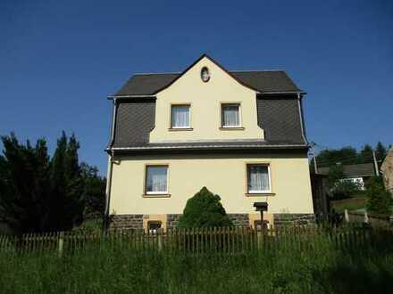 Liebenswertes Haus! Renovieren und Einziehen!