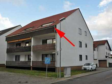 renovierungsbedürftige DG-Wohnung mit Balkon und PKW-Stellplatz zu verkaufen