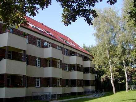 Gemütliche 2-Zimmer-Dachwohnung mit Loggia !