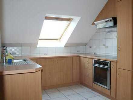 In Gabsheim Single gesucht!! ** Schön geschnittene, helle Dachgeschoßwohnung ** Mit Einbauküche