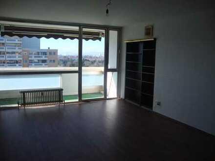Neu renovierte 3 Zimmerwohnung, Frankfurt -Eckenheim