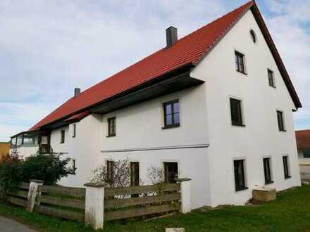 Liebhaberobjekt - gepflegte 5 Zimmer Wohnung im Bauernhaus sucht Familie