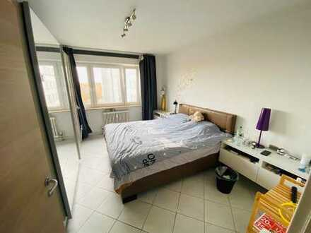 1.100 €, 80 m², 3 Zimmer