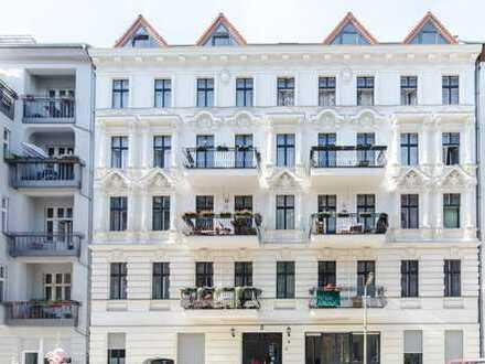 Altbaujuwel mit Aufzug - großzügige 4 Zimmerwohnung