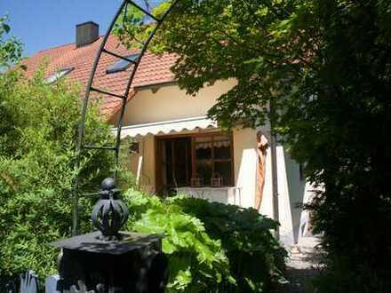 Gepflegte Doppelhaushälfte mit vier Zimmern in Landshut (Kreis), Furth