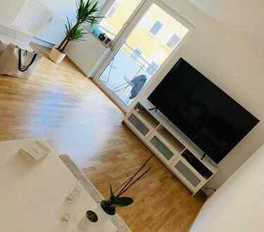 Nachmieter gesucht für neu renovierte, helle 2-Zimmer-Wohnung mit Balkon in zentraler Lage