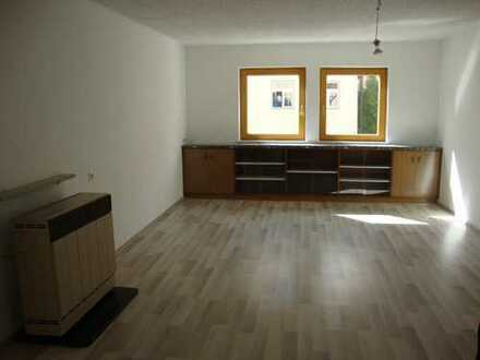 Freundliche, vollständig renovierte 3-Zimmer-Wohnung mit gehobener Innenausstattung in Kaufbeuren