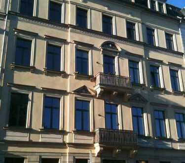 ***Sehr schöne 2-Raum-Wohnung mit EBK und Balkon***