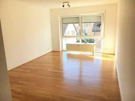 Stillvolle, moderne 2 Zimmer-Wohnung mit neuer Einbauküche in Frankfurt-Hausen