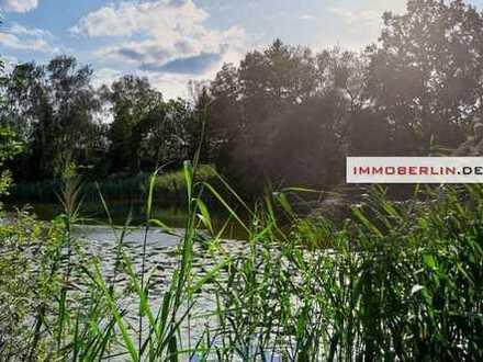 IMMOBERLIN: Direkt am See! Baugrundstück in bester Westlage