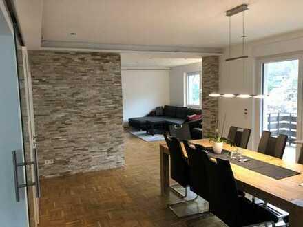 Sanierte 5-Zimmer-Wohnung mit Balkon und EBK in Lüdenscheid