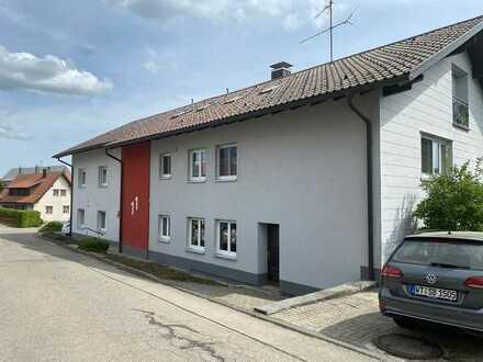 Schön 4-Zimmer-Wohnung mit Balkon und neu renoviertem Bad in Görwihl