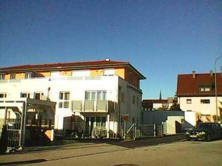 Exklusive 3-Zimmer-Penthouse-Wohnung mit Balkonen und Einbauküche in Schwabmünchen