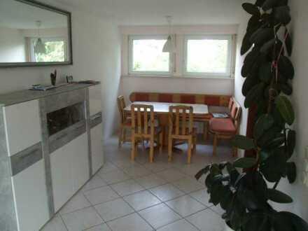 Gepflegte 3-Raum-DG-Wohnung mit Balkon und Einbauküche in Friedrichshafen- Fischbach