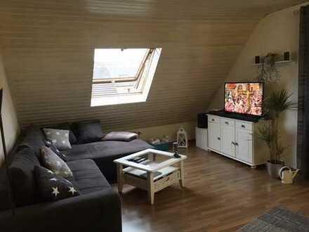 Attraktive, gepflegte 2-Zimmer-DG-Wohnung zur Miete in Troisdorf