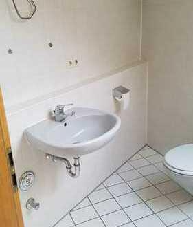 Ansprechende 1-Zimmer-DG-Wohnung mit Balkon und Einbauküche in Althütte
