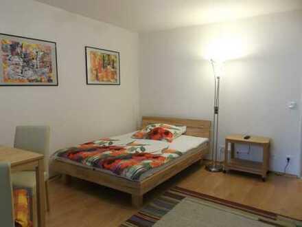 Möblierte 1-Zimmer-Hochparterre-Wohnung mit Balkon und EBK in Obermenzing, München