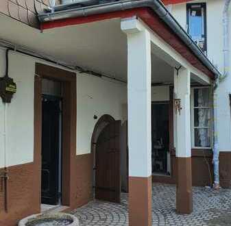 Haus(-hälfte) mit Flair im alten Ortskern von Mainz-Laubenheim - Erstbezug nach Sanierung