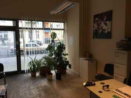 Großzügig geschnittene Bürofläche / Studio / Praxis in Schöneberg