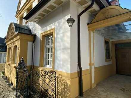Denkmalgeschützte, neubarocke Villa in privilegierter Villenwohnlage