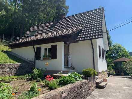 Freundliches 3 Zimmer-Haus in Schramberg, für Natur- und Gartenliebhaber