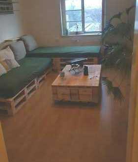 Schönes 16qm Zimmer auf der Großenhainer Straße zu vermieten