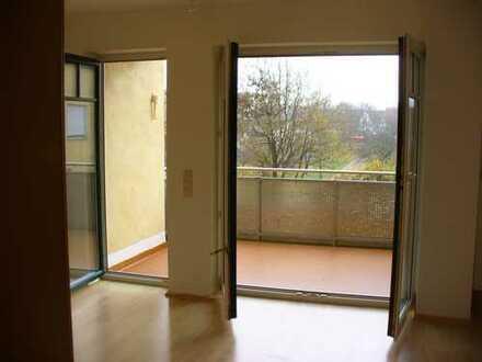 Manching, OG, 4 ZKB, 100 m2, Aufzug, Südbalkon