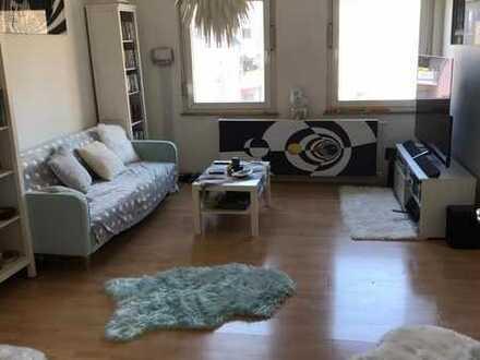 Schöne 3-Zimmer-Altbauwohnung in zentraler Lage