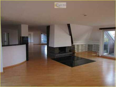 Bonn/Ippendorf: Dachgeschoss-Wohnung mit Loftcharakter, Dachterrassen mit Traumblick
