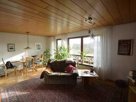Helle und schöne 2 Zimmer-Wohnung mit herrlichem Balkon zum Verlieben !!!