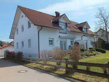 KAPITALANLAGE! Gepflegtes 4 Familienhaus in ruhiger und zentraler Lage