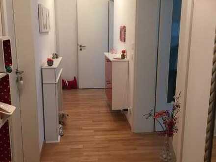 Neuwertige 3-Zimmer-Wohnung mit Balkon in Zusmarshausen