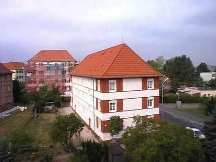 Sanierte 2-Raum-Wohnung mit Wohnküche