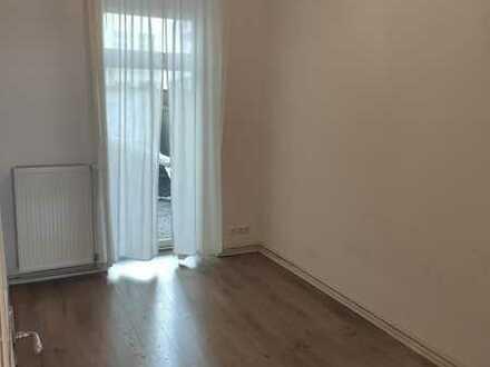 Große 2er-WG mit Terrasse und Wohnzimmer in Berlin-Moabit