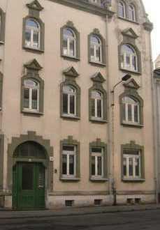 Großzügige 3-Raum-DG-Wohnung mit Balkon im Zentrum von Crimmitschau