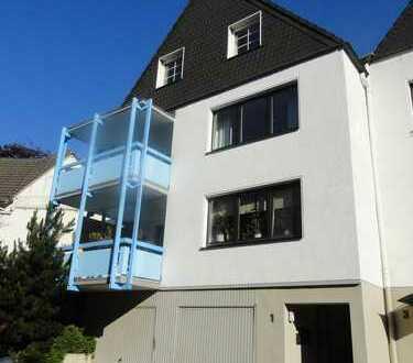 Großzügiges Wohnen auf zwei Ebenen! 4-Zimmer-Maisonette-Wohnung mit Kamin!