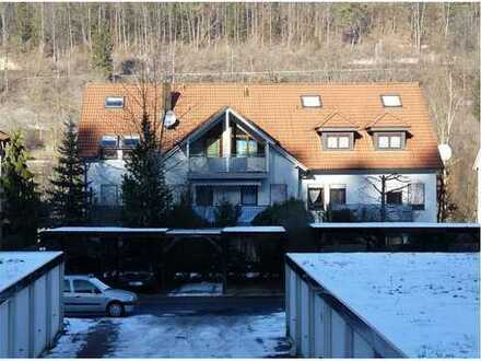 Ansprechende 1,5-Zimmer-Dachgeschosswohnung mit Balkon und Einbauküche in Horb am Neckar
