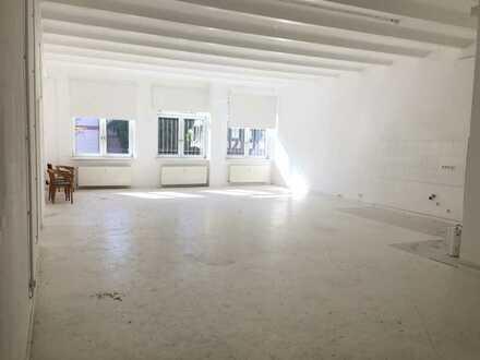 NEU*Loftige Räume als Atelier, Fotostudio, Ausstellung etc *Deckenhöhe ca. 5 m