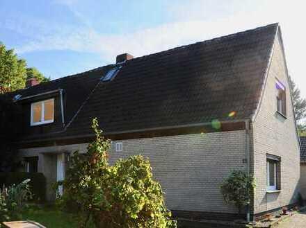Erstbezug nach Sanierung mit Balkon: attraktive 2-Zimmer-Dachgeschosswohnung in Bremen-Aumund