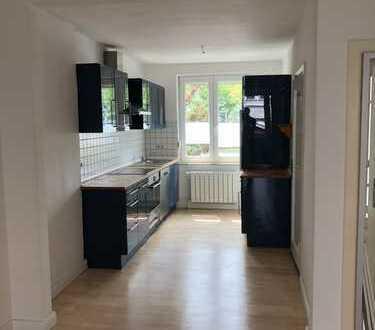 Schönes, geräumiges Haus mit vier Zimmern in Bremen, Hastedt