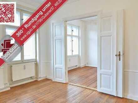 Schöne 2-Zimmer-Wohnung mit Flügeltüren und org. Dielenboden in Berliner Altbau in Fhain!