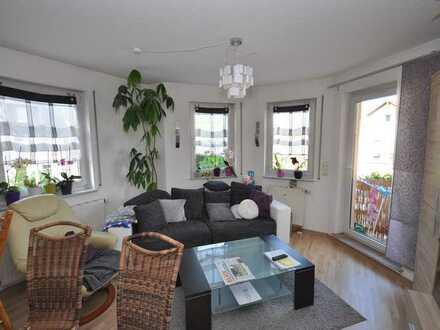 **Einbauküche** Schicke 3-Raum Wohnung mit Balkon, Laminat und PKW Stellplatz